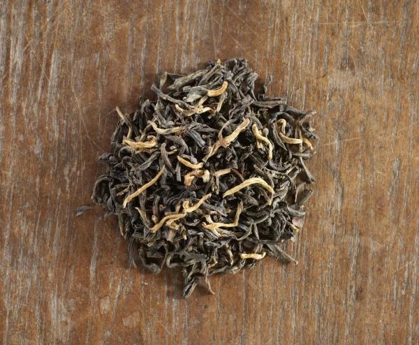 Yunnan black tea loose leaf